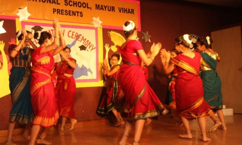 Amity International School, Mayur Vihar1