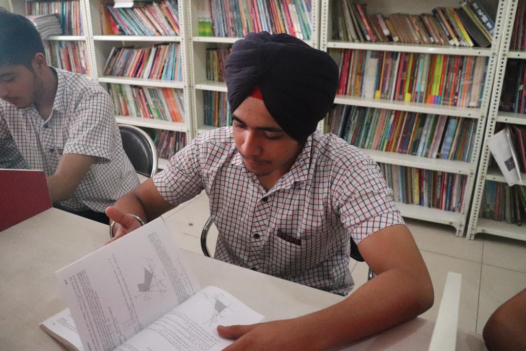 Guru Tegh Bahadur Public School, Model Town0