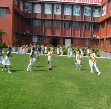 Lucknow Public School2
