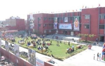 Lucknow Public School0