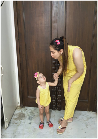 Geetika with her kid