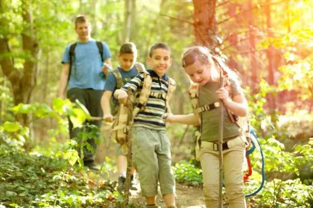 Kids doing adventures