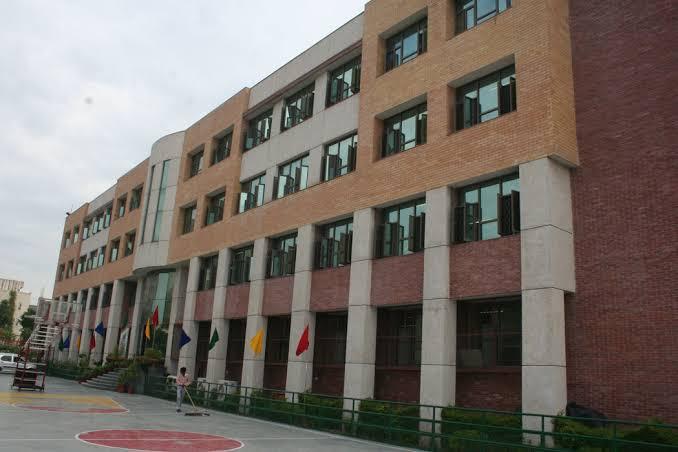 Amity International School(AIS)Top schools in east Delhi